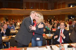 Christian Ude gratuliert Natascha Kohnen zur Wiederwahl als Generalsekretärin