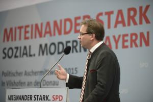 Landesvorsitzender Florian Pronold bei seiner Rede