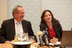 Christian Ude und Doris Aschenbrenner während der Pressekonferenz (Foto: Frank Ossenbrink)