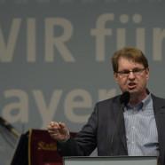Ralf Stegner auf der Bühne im Jungbräuzelt
