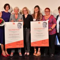 Renate Schmidt und Pinkstinks bekommen den Toni-Pfülf-Preis 2017 überreicht