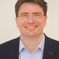 Portraitfoto von Florian von Brunn