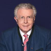 Dipl.-Verw. Günther Knoblauch