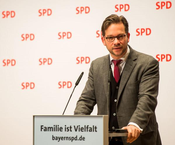 Florian Pronold eröffnet den Parteitag