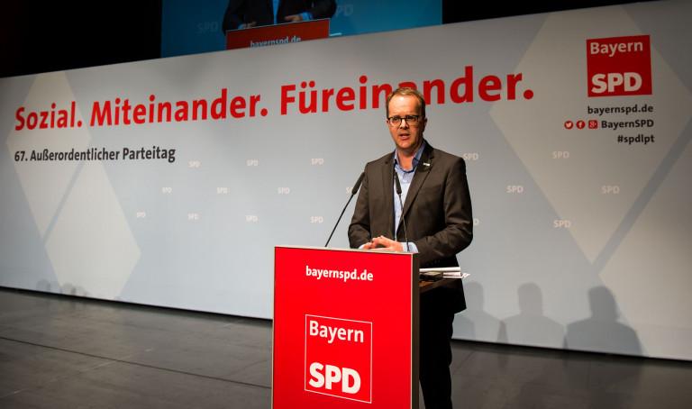 Foto von Markus Rinderspacher auf der Bühne