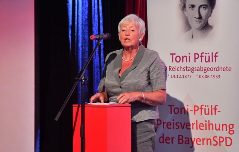 """Preisträgerin Renate Schmidt: """"Schluss mit der falschen Bescheidenheit!"""""""