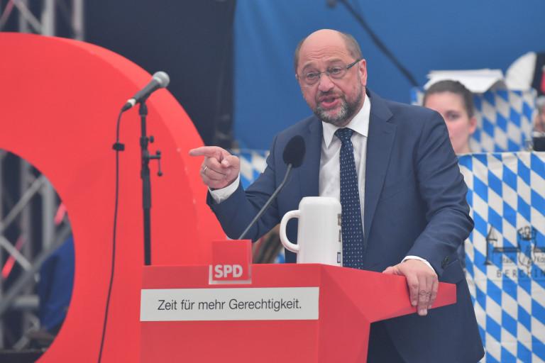 Martin Schulz in Fahrt im Jungbräuzelt