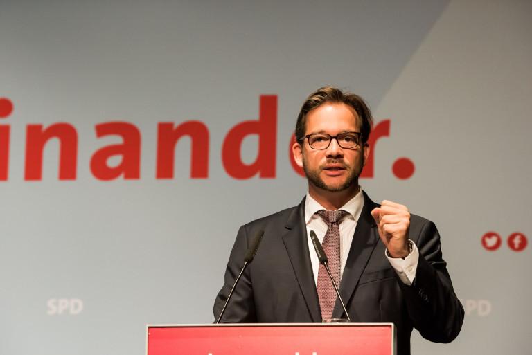 Foto von Florian Pronold auf der Bühne